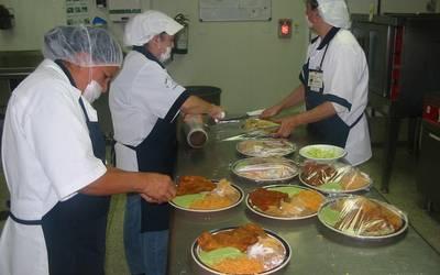 Quieren llevar comida directa a trabajadores - El Sol del Centro